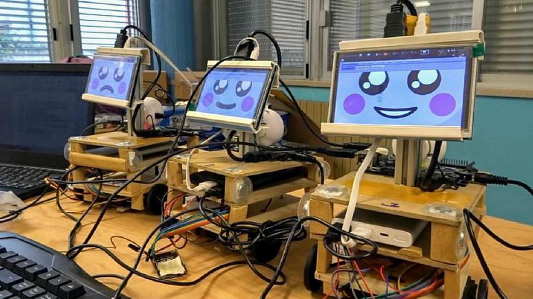 ربات آموزشی